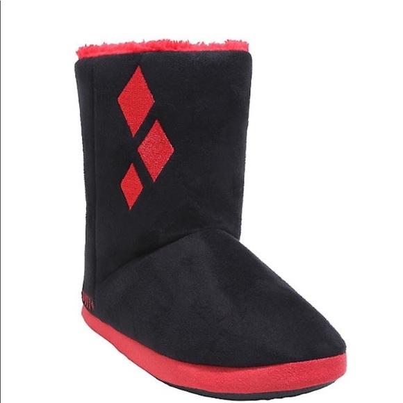 1d8b604db4c32f DC Comics Harley Quinn Slipper Boots